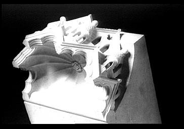 Dais abritant un des anges surmontant les petits contreforts de l'abside, déposé
