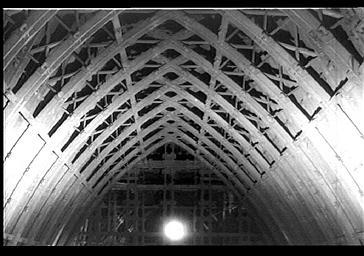 Charpente de la nef, vue de l'intérieur vers l'est