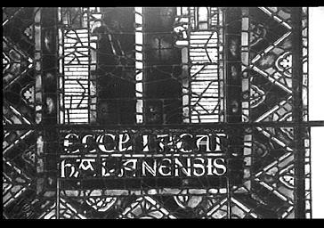 Vitrail, REPRESENTATION SYMBOLIQUE DE L'EGLISE DE CHALONS, ABSIDE, COTE nord, baie 203, LANCETTE DE GAUCHE