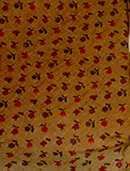 Cotonnade ornée d'un semis de fleurettes et de fruits sur fond beige_0