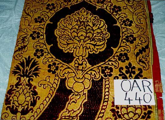 Brocart à fils d'or et de soie_0