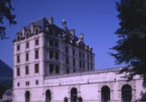 Musée départemental de la Révolution française