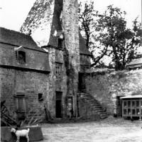(15/24) La tour Louis XIII avant son effondrement