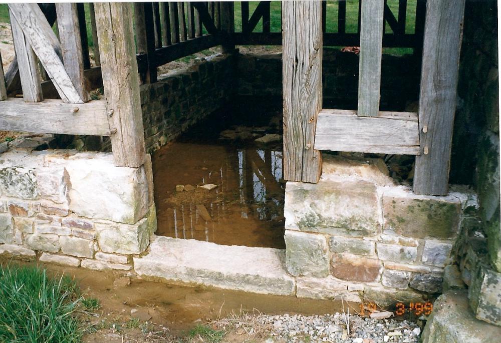 19 mars 1999, infiltrations d'eau dans l'appentis de la cave.