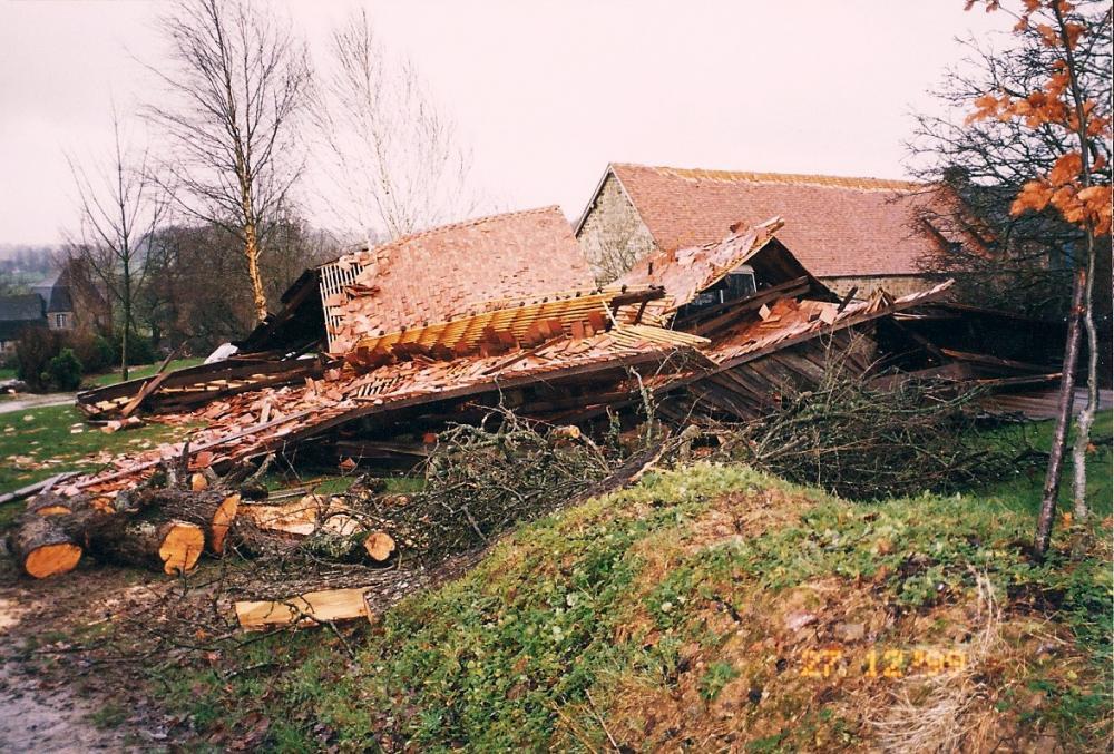 27 décembre 1999, la grange après la tempête.