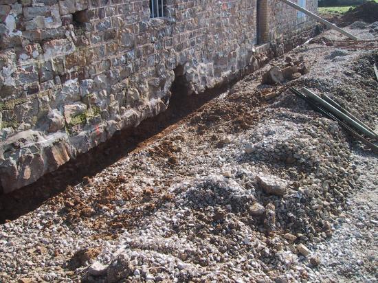28 janvier 2008, le mur Ouest de la ferme en fin de matinée.