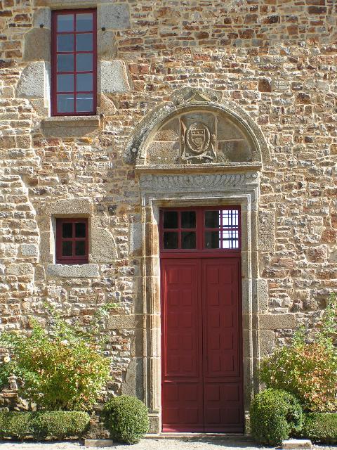 19 septembre 2010, photo de la porte du logis par M. HEDOUIN.