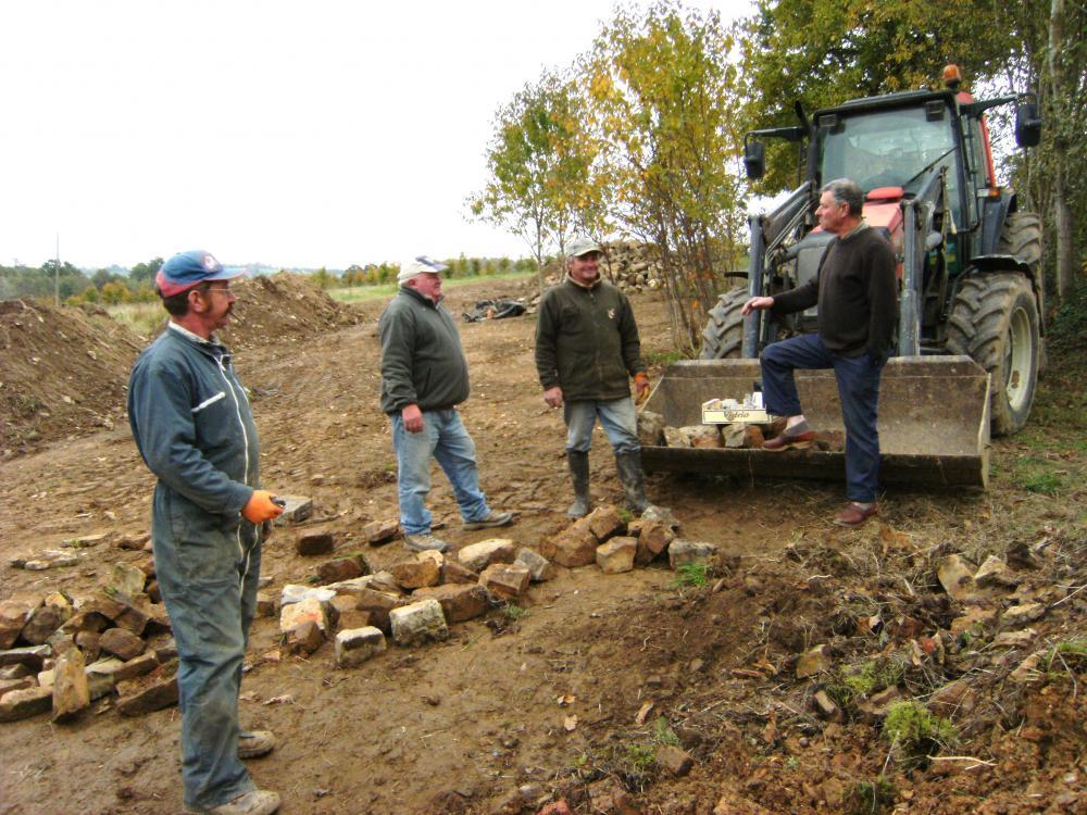 29 octobre 2010, visite inopinée de Claude FAVERIS qui nous avait apporté le café et de quoi le pousser.
