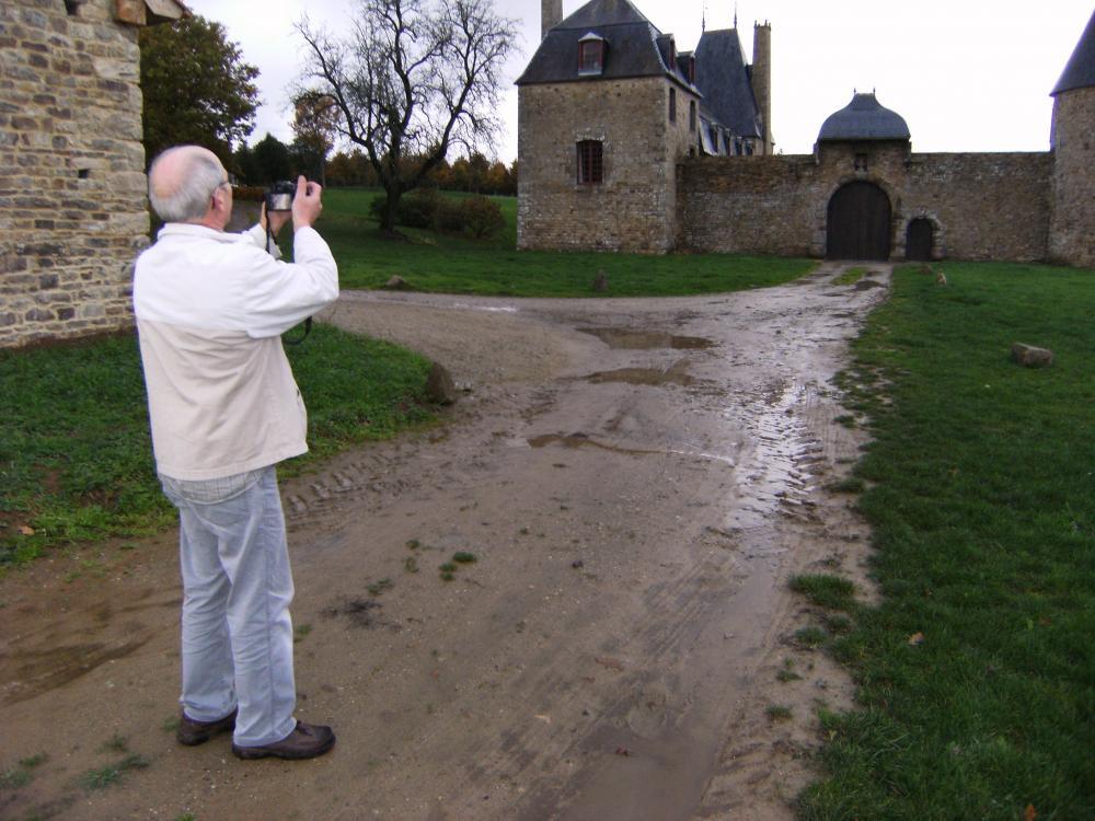 9 novembre 2010, un photographe-amateur au travail.