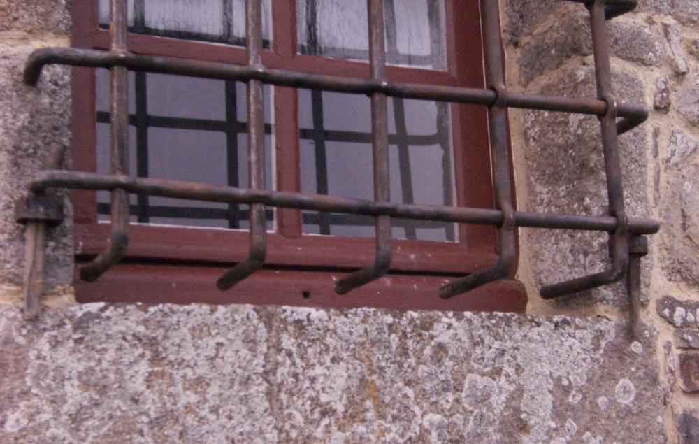 18 février 2011, le motif de refus des petites grilles.
