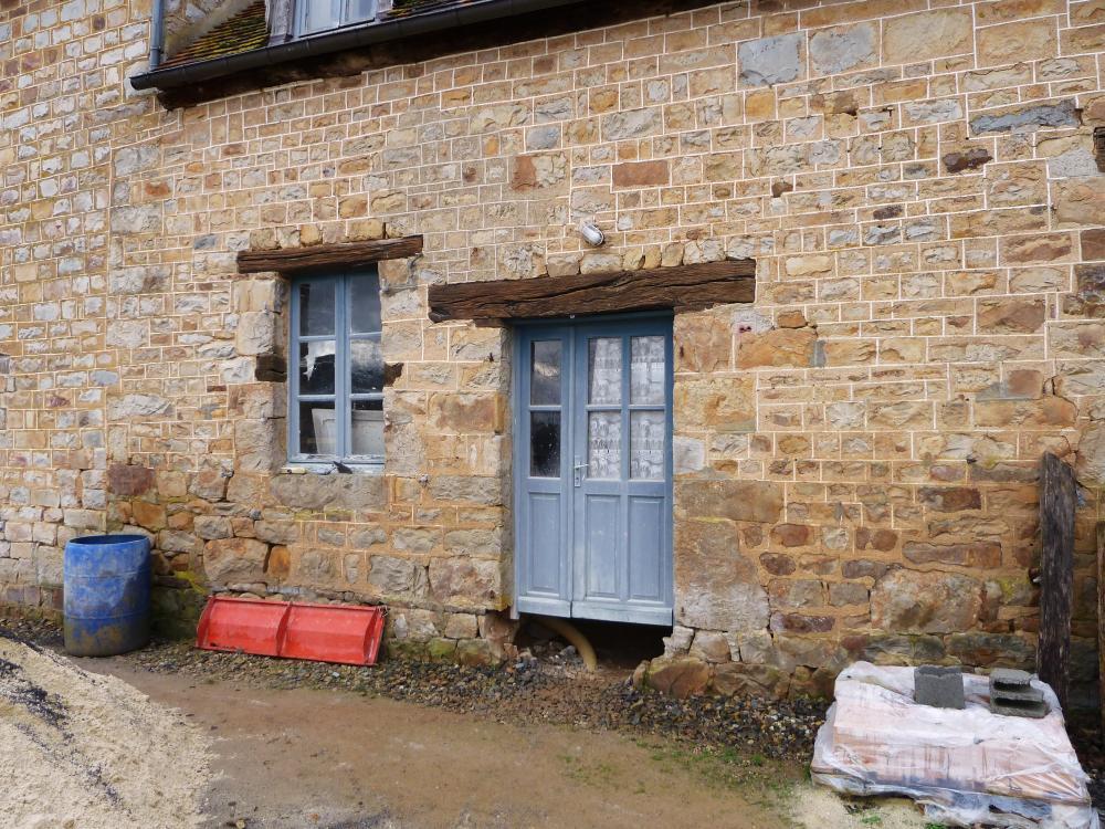26 février 2011, un bout de la façade Est actuelle de la partie la plus ancienne de la ferme.