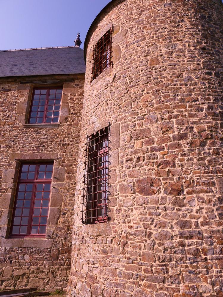 4 mars 2011, deux des trois grilles de la tour Nord-Est.