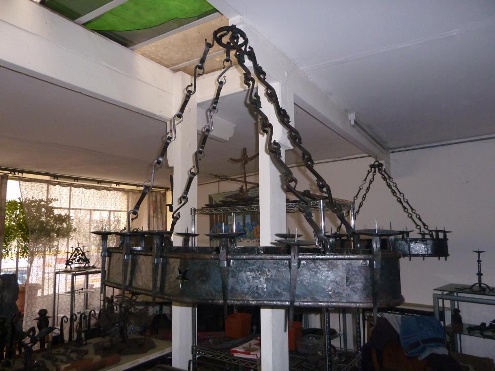 18 mars 2011, le futur lustre de la charretterie.