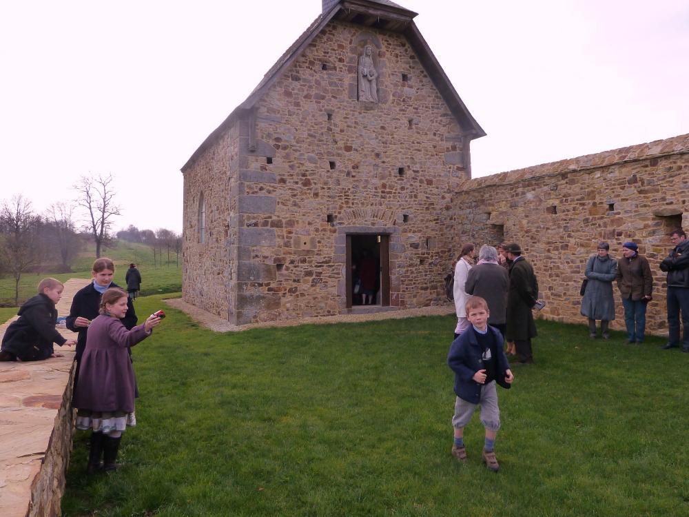 20 mars 2011, à la sortie de la chapelle.