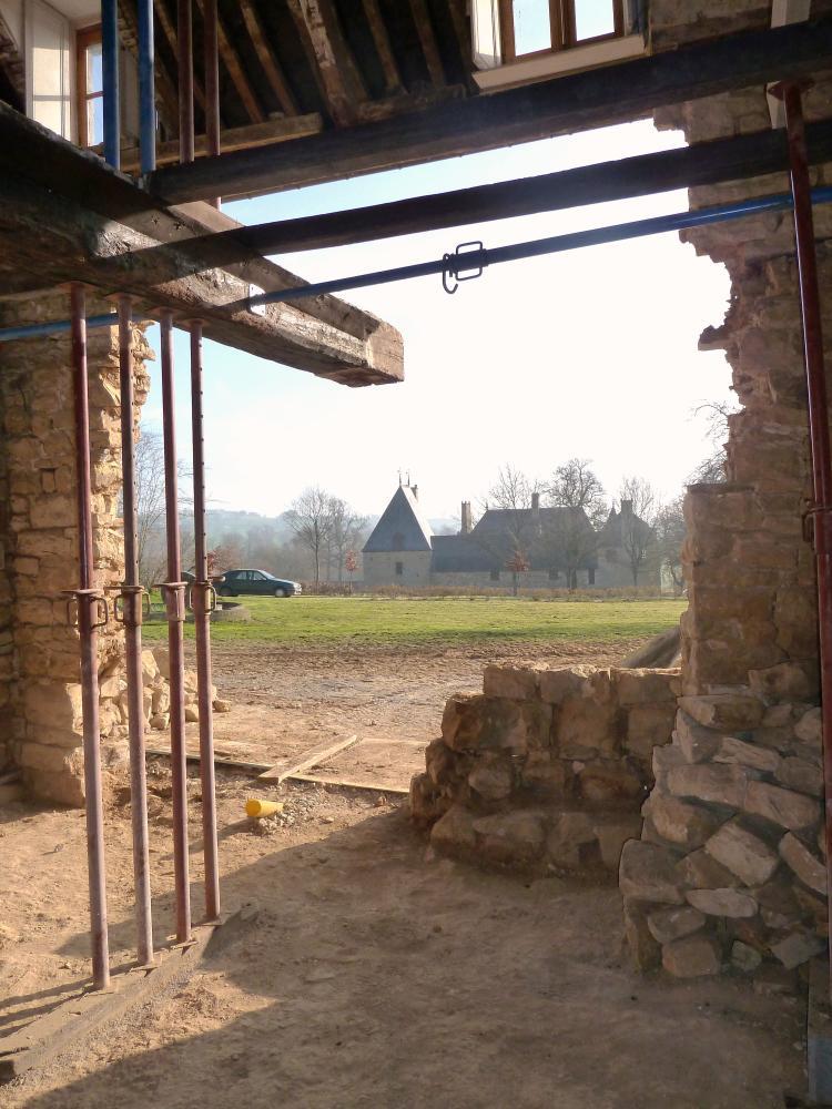 25 mars 2011, la vue du futur petit salon de la ferme, en direction de l'Est.