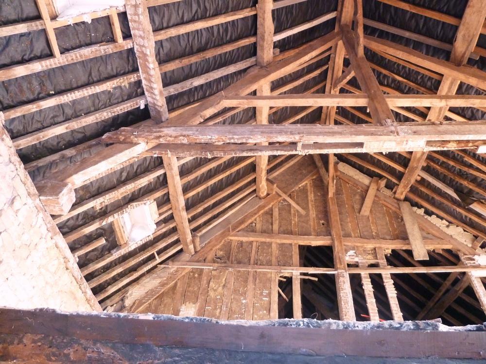 25 mars 2011, le plafond du futur petit salon de la ferme