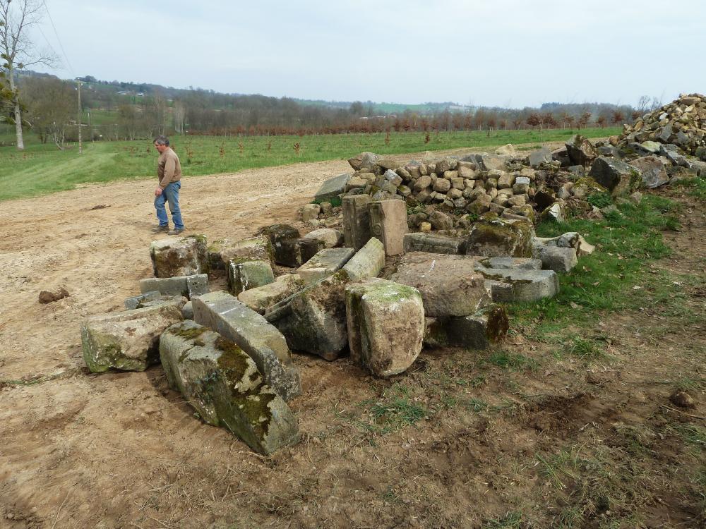 25 mars 2011, aperçu de certains vieux granits triés.
