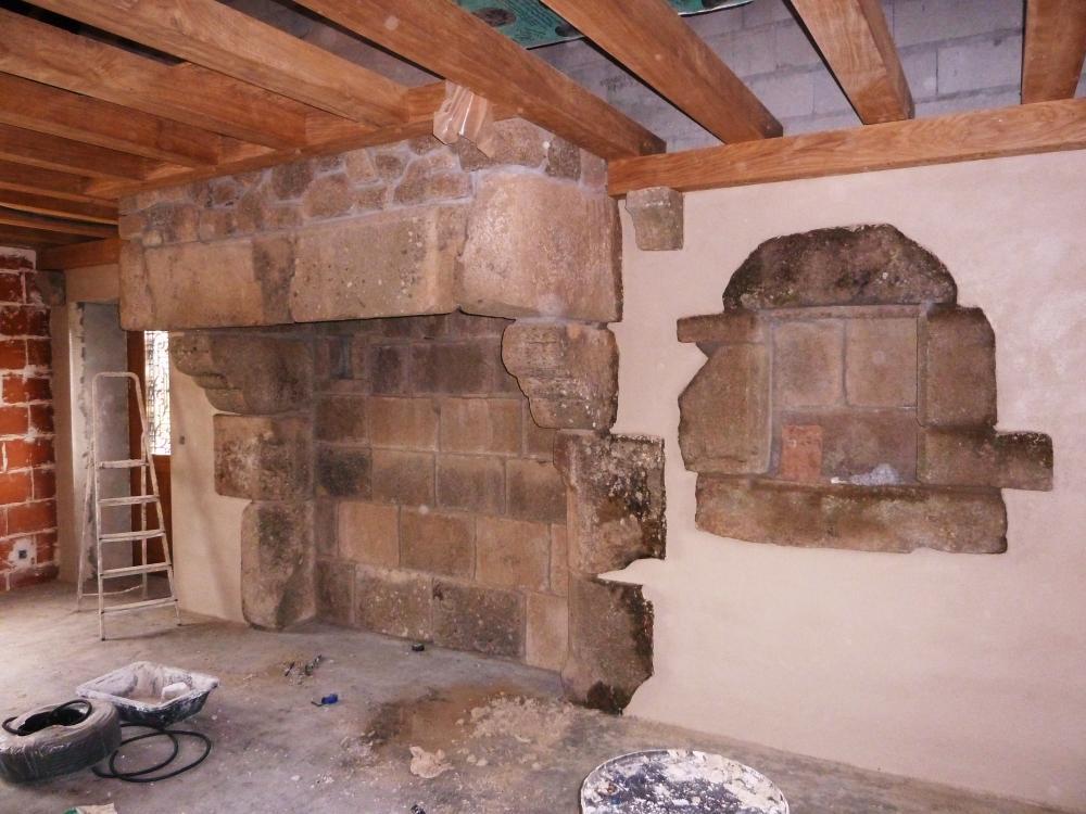 27 mars 2011, une cheminée idéale pour la ferme de la Chaslerie.