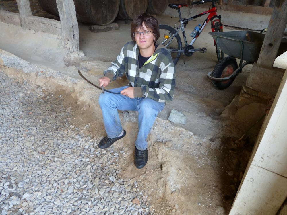 29 juillet 2011, Lucien sous la charretterie.