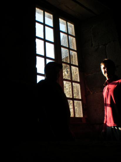 22 novembre 2011, Igor et Bernard dans la grande (future) chambre du logis.