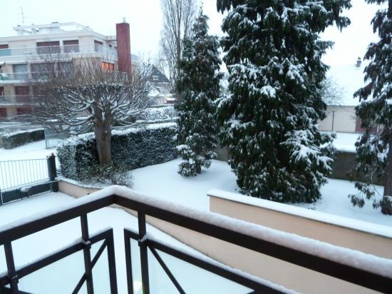 5 février 2012, la vue du balcon de mon studio à Caen.