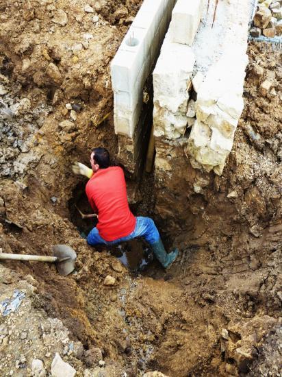 14 mars 2012, Valentin en train de creuser.