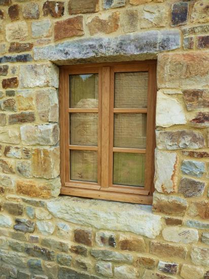 28 juin 2012, la fenêtre de la façade Nord du fournil de la ferme.