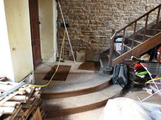 13 octobre 2012, la descente vers le salon et le début de la montée vers le 1er étage.