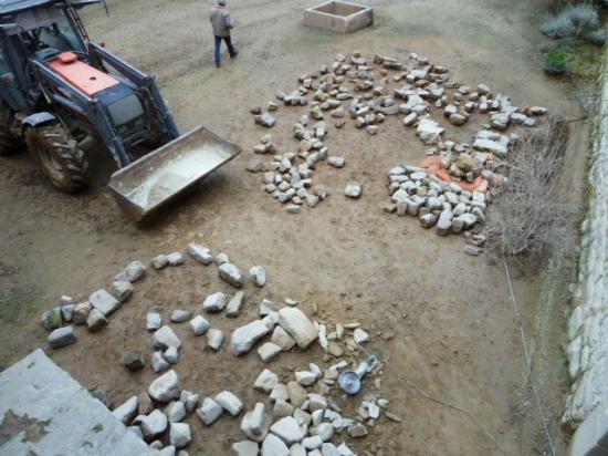24 janvier 2013, il ne reste plus beaucoup de pierres du lot de Céaucé.