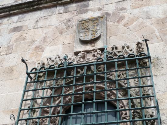 18 mai 2013, grille sur un clocher à Guimaraes.
