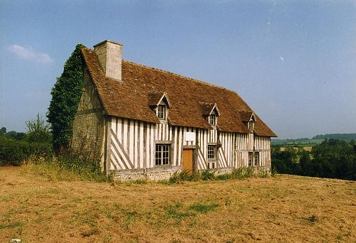 Le manoir du Ronceray à Champeaux-en-Auge, maison natale de Charlotte CORDAY.