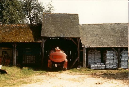 Juillet 1991, la grange en trois tronçons, telle que je l'ai connue.