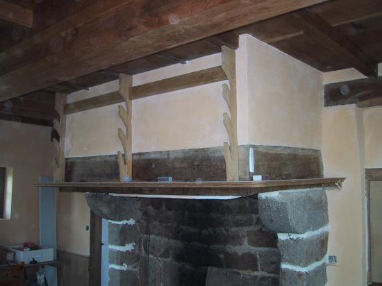 22 avril 2007, cheminée restaurée à la Prosnière à Saint-Mars d'Egrenne.