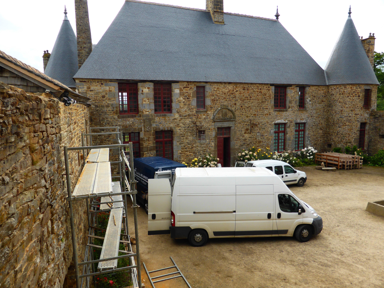 1er juillet 2014, les camionnettes de M. BRESSON, de M. DELTA et la fourgonnette de Sébastien.