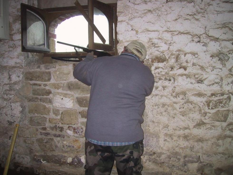 19 décembre 2007, Claude en plein effort dans la ferme.