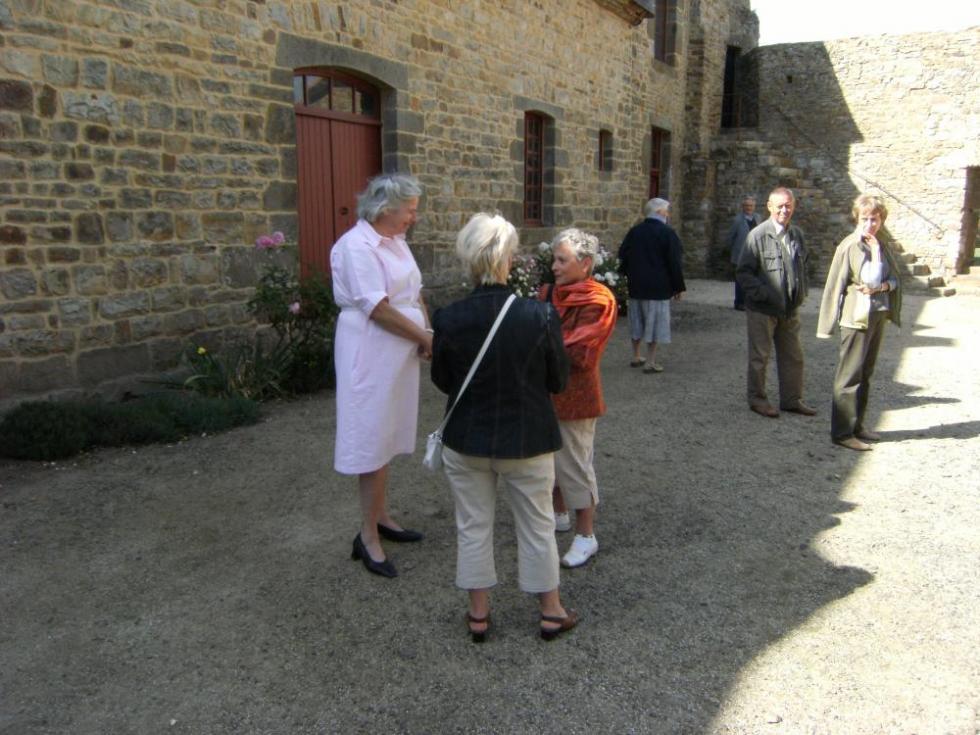 Que peuvent se raconter, quand elles se rencontrent, deux Madame FOURCADE?