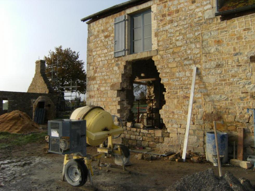 16 novembre 2010, état des travaux sur la façade Est de la ferme.