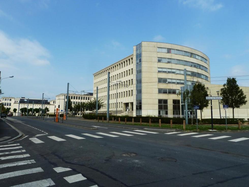 30 juillet 2011, le chemin des écoliers et l'arrivée devant la fac.