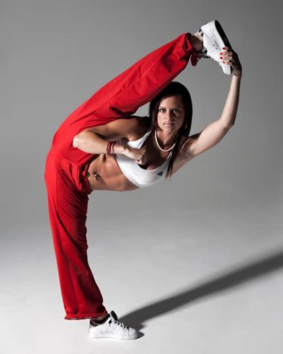 "Chloe BRUCE, championne de ""kick boxing""."