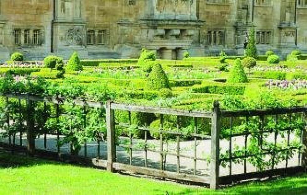Une réalisation de Marc LECHIEN, le château du grand jardin à Joinville.