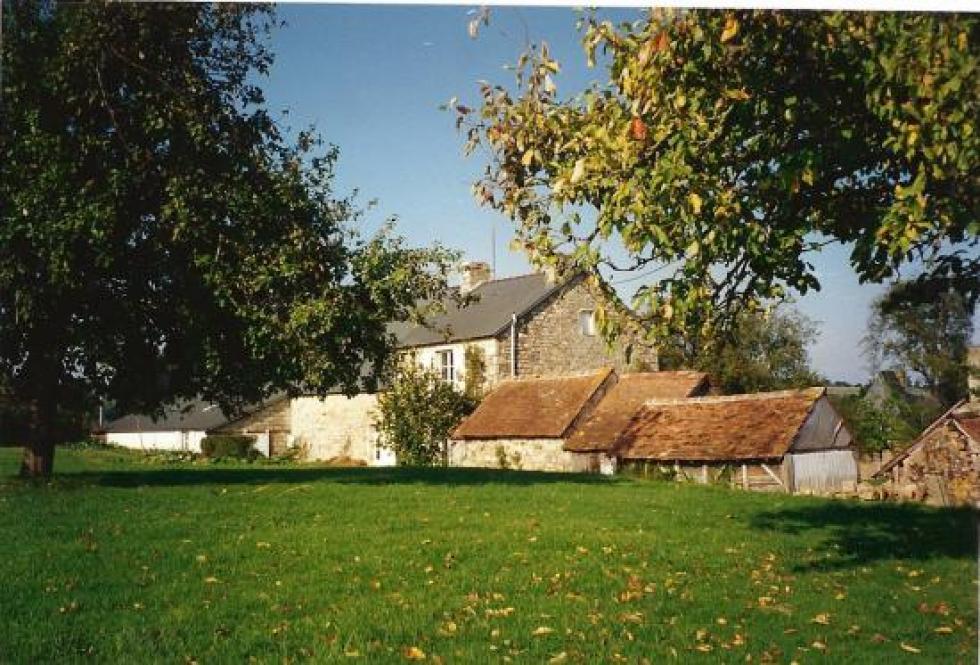 Août 1993, la ferme vue du Sud-Ouest.