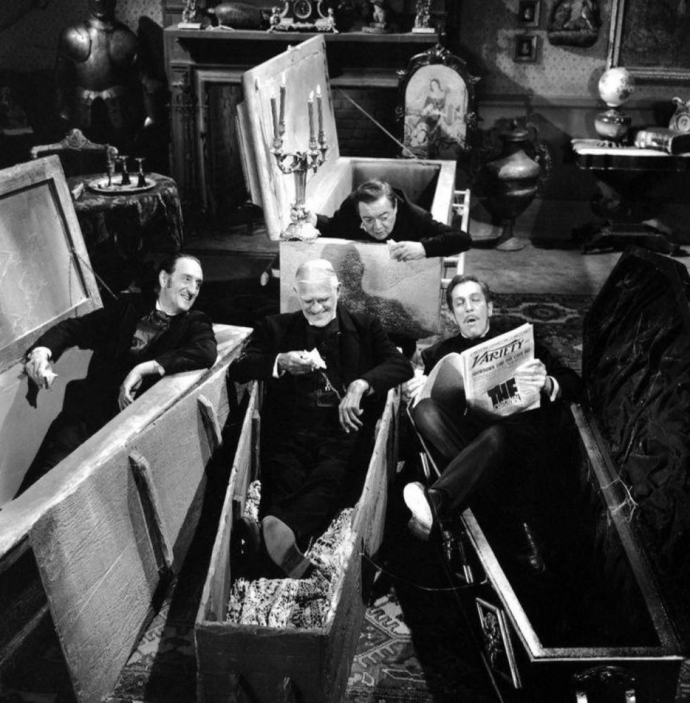 Vincent Price fait la lecture à Peter Lorre, Boris Karloff et Basil Rathbone...