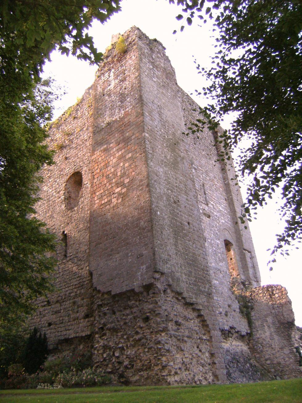 Le donjon du château de Domfront