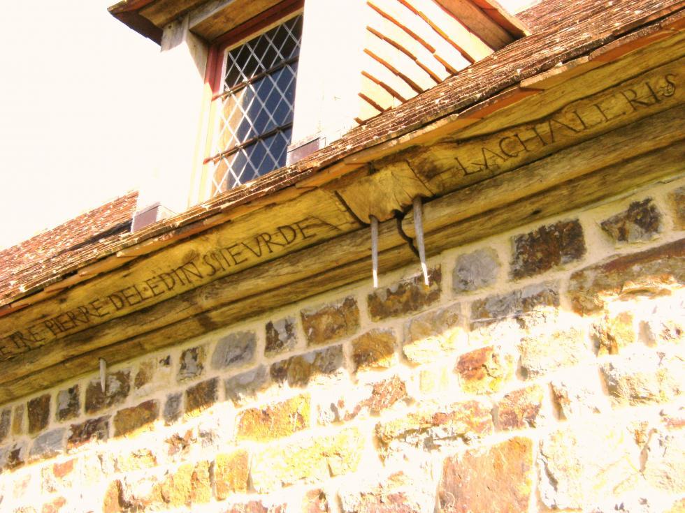 Inscription sur la sablière de la cave