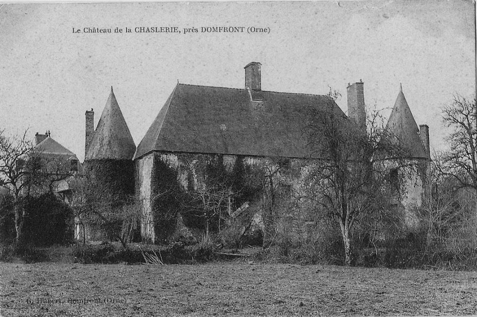 Le logis vu du Pournouët au début du 20ème siècle, photo de G.Hubert