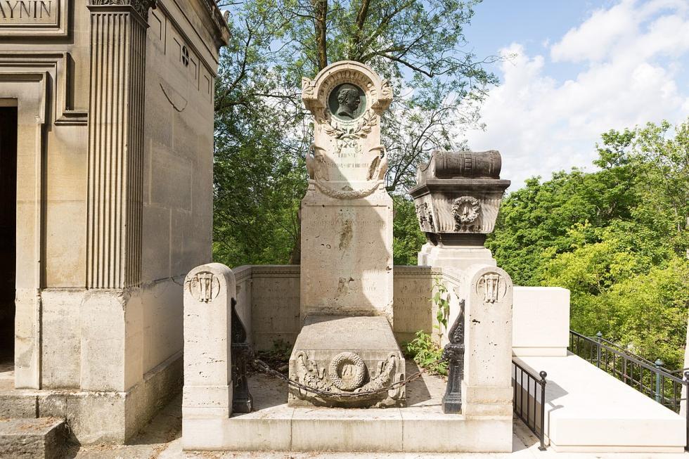 La tombe de la famille d'Arnaud au Père-Lachaise.