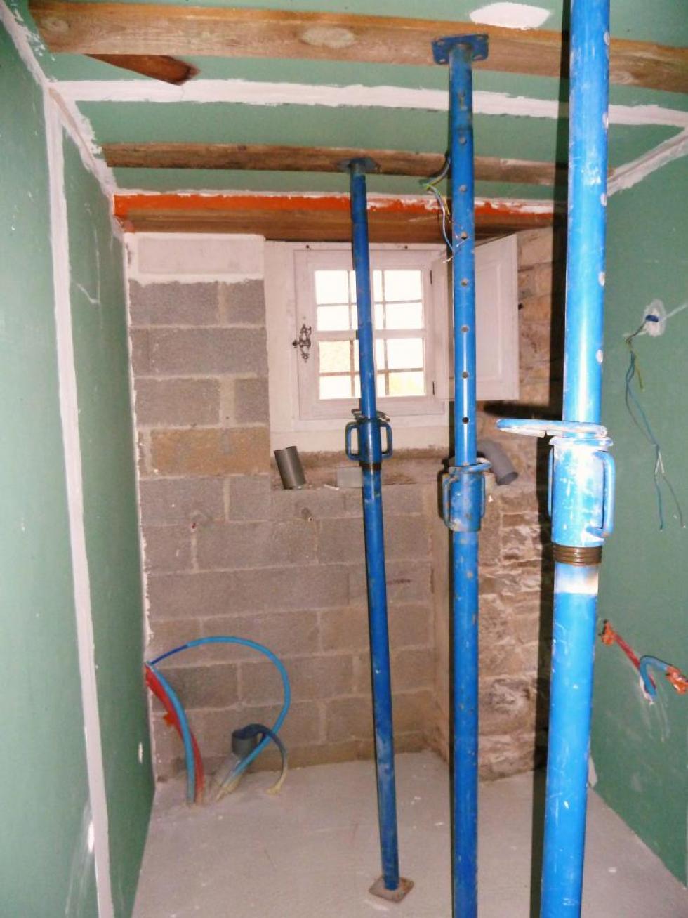 26 mai 2011, le futur cabinet de toilettes au rez-de-chaussée du bâtiment Nord.