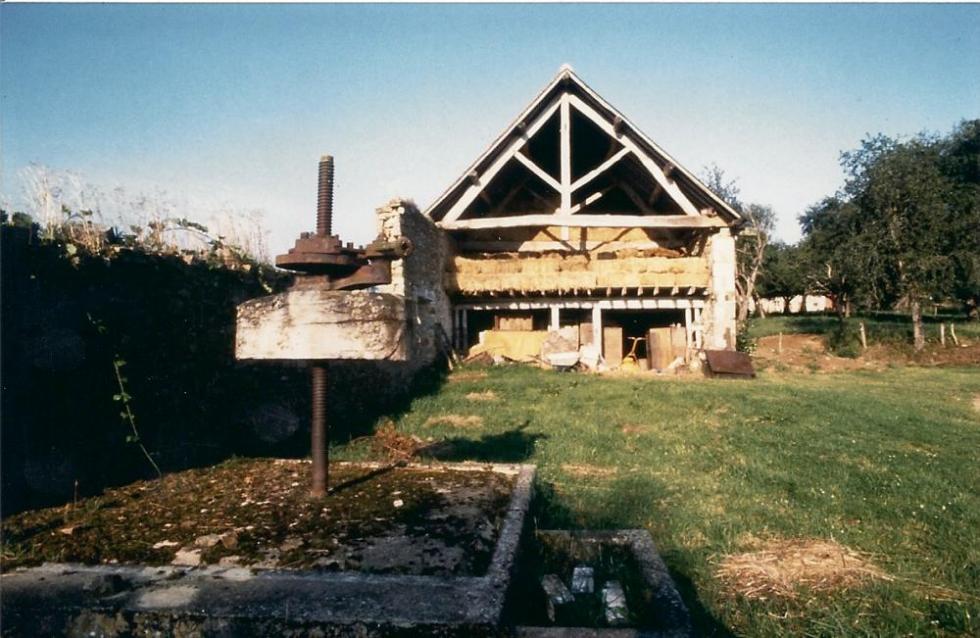 1991, la charretterie (ancien pressoir).