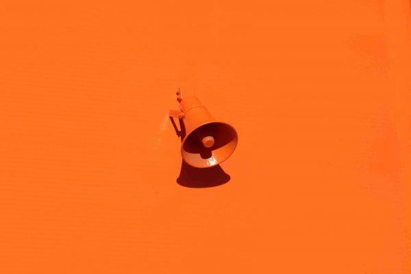 orange oleg-laptev-QRKJwE6yfJo-unsplash