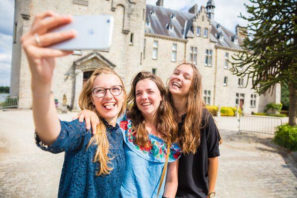 Toerisme Vlaanderen mise d'un côté sur les enquêtes et les connaissances, et d'un autre sur le rassemblement des partenaires. « Souvent, on veut agir, mais on ne sait pas comment, » explique Griet Geudens.